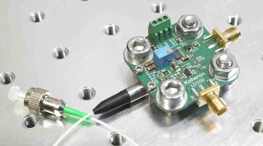 1550 nm low-noise DFB laser