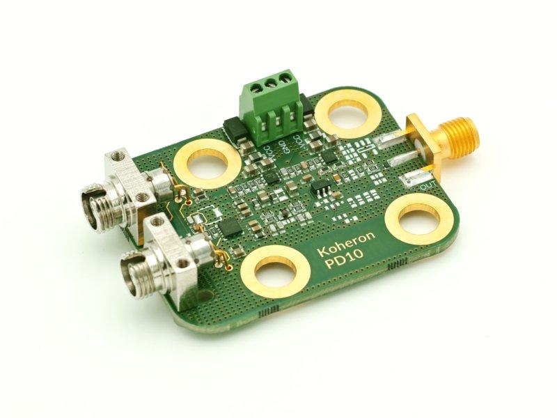 High-gain balanced photodetector